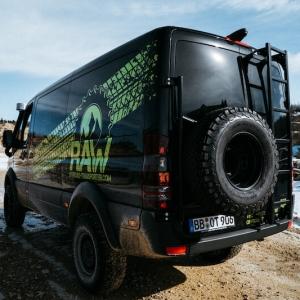 schwarz transporter raw logo offroad