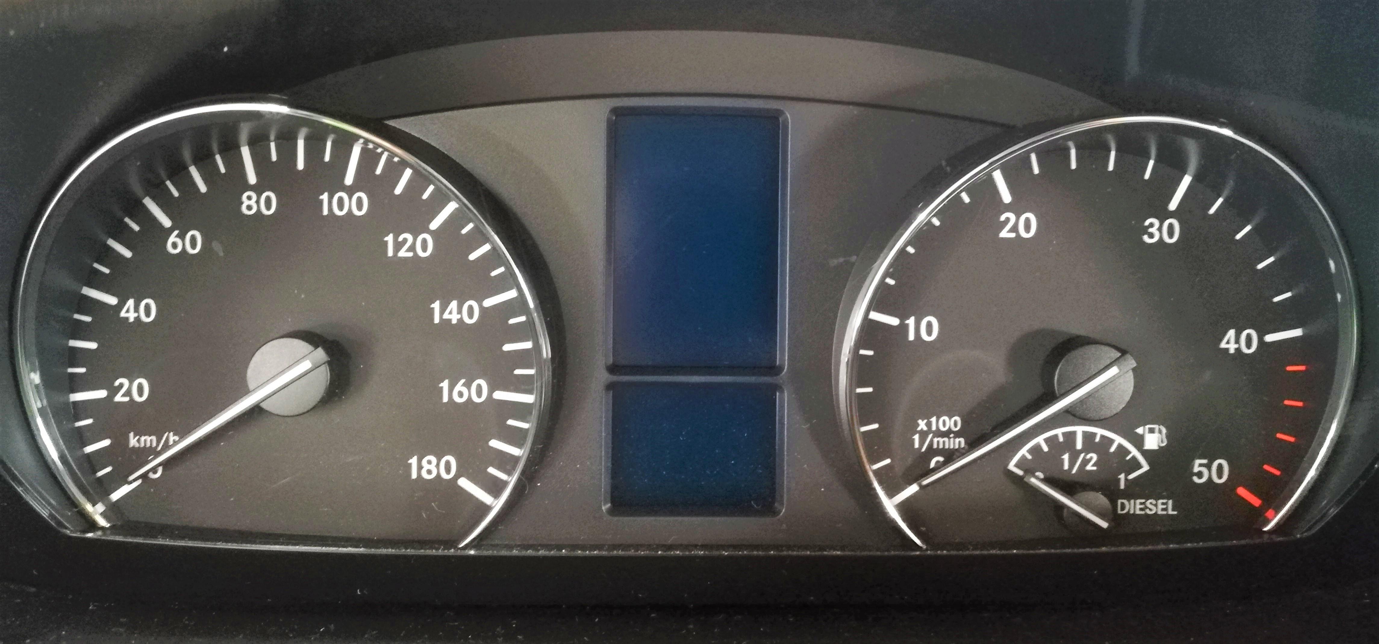 MB Sprinter 906 907 Leistungsteigerung Leistungsoptimierung MOTOROPTIMIERUNG BEI EINEM 4-ZYLINDER MOTOR V6 MOTOR TACHOCODIERUNG