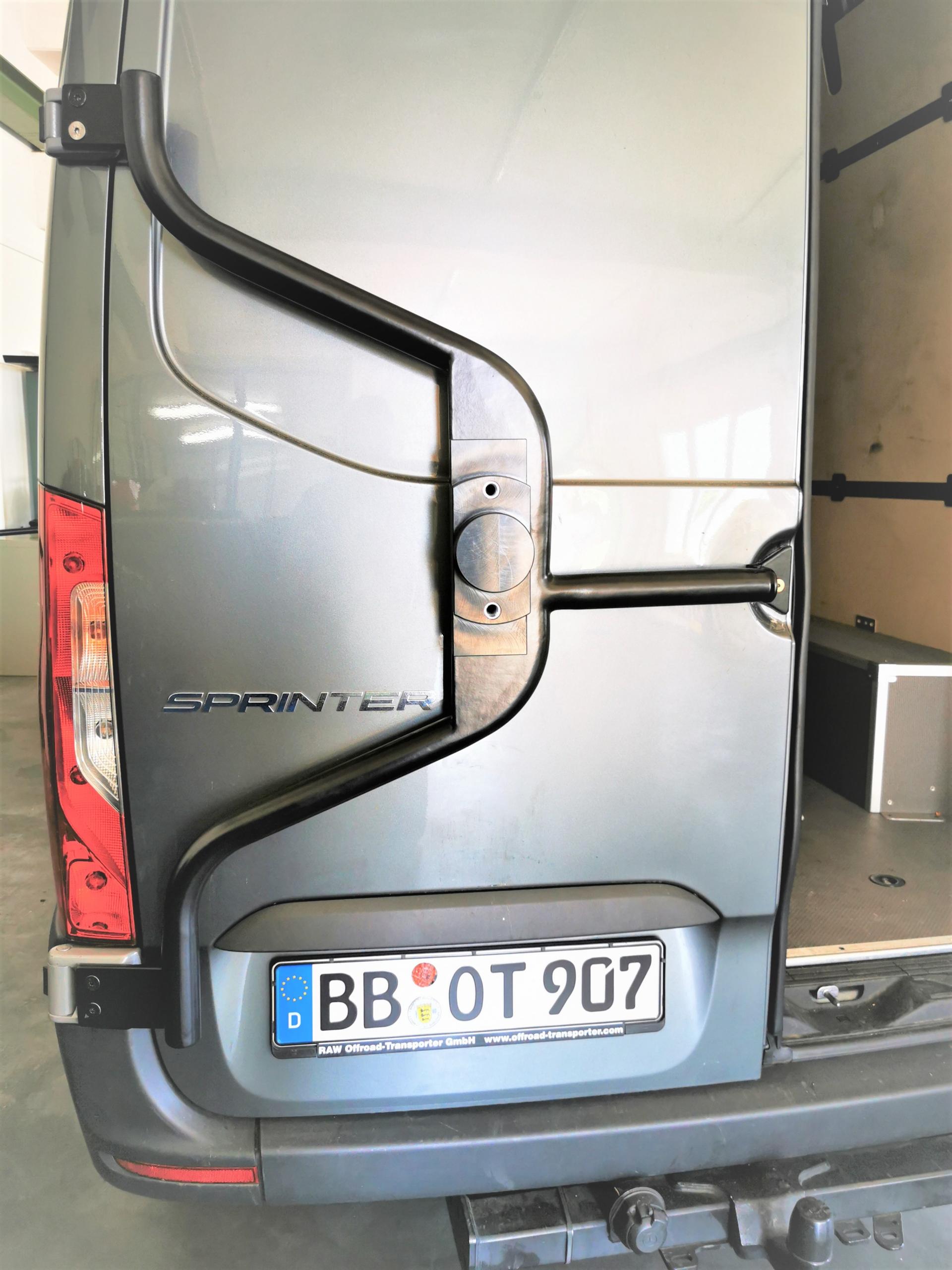 """ERSATZRADHALTER """"RAW"""" FÜR MB SPRINTER 906 907 FÜR REIFEN IN STANDARD- UND ÜBERGRÖSSE"""